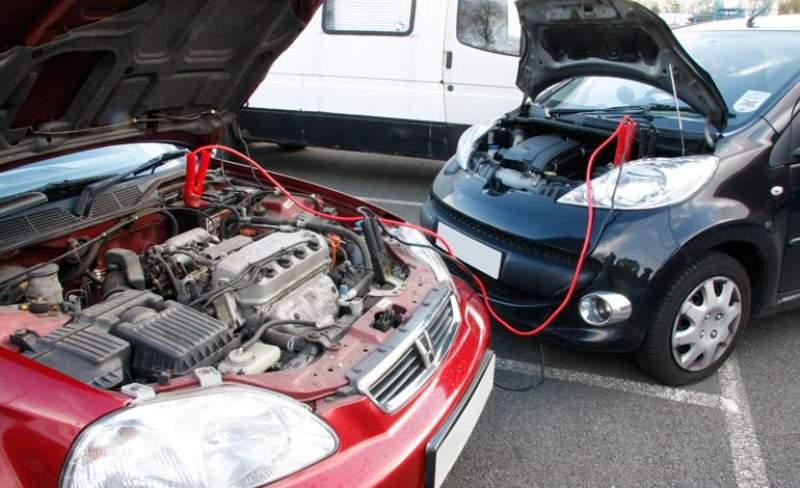 caricare batteria auto