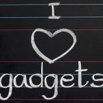Perché scegliere le Spille Personalizzate come gadget aziendale