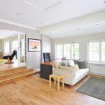 Dalla cucina alla zona living: cinque consigli pratici per arredare casa